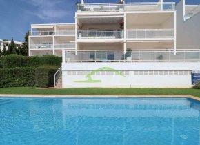 Luxury 4-bedroom Duplex, Sea Views, close to Beaches